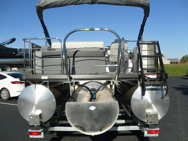 2021 Godfrey Pontoon boat for sale, model of the boat is SW 2286 SFL iMPACT  29 in. Center Tube & Image # 14 of 26