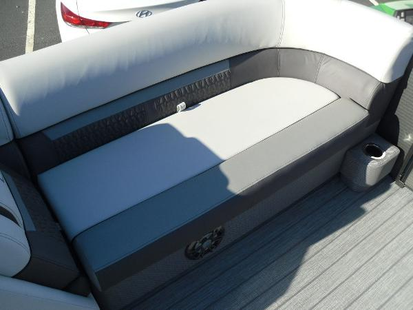 2021 Godfrey Pontoon boat for sale, model of the boat is SW 2286 SFL iMPACT  29 in. Center Tube & Image # 17 of 26