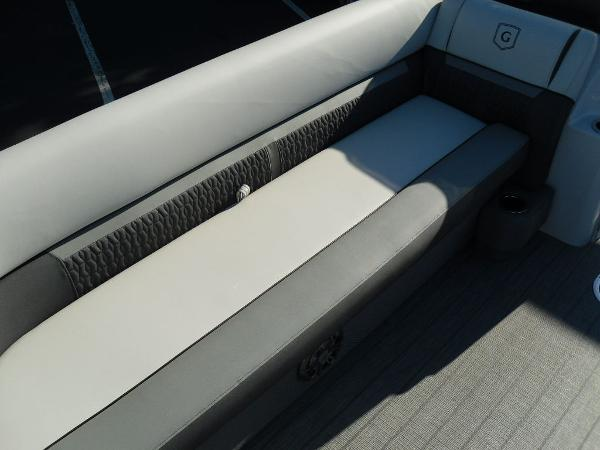 2021 Godfrey Pontoon boat for sale, model of the boat is SW 2286 SFL iMPACT  29 in. Center Tube & Image # 18 of 26