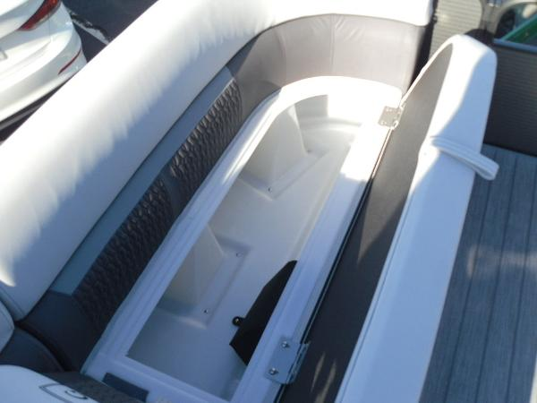2021 Godfrey Pontoon boat for sale, model of the boat is SW 2286 SFL iMPACT  29 in. Center Tube & Image # 22 of 26