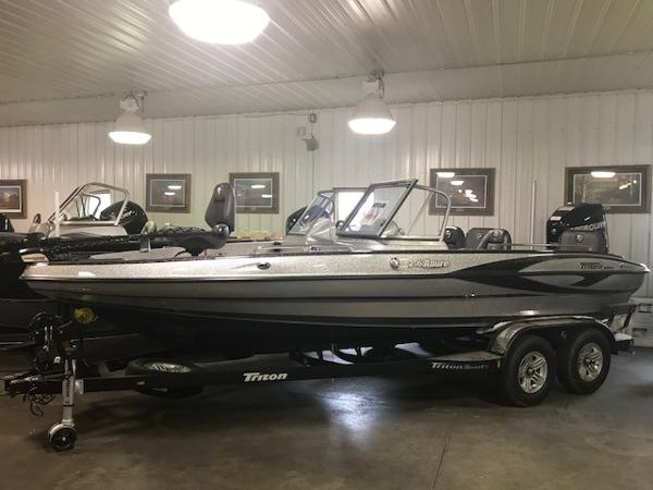 2017 Triton boat for sale, model of the boat is 206 Allure & Image # 1 of 13