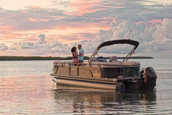 2021 Regency boat for sale, model of the boat is 230 LE3 & Image # 5 of 69