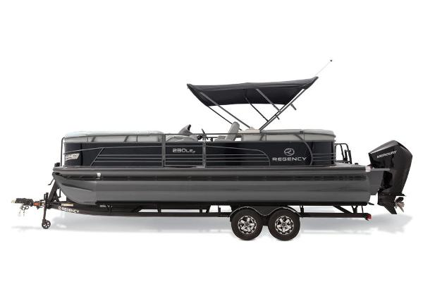 2021 Regency boat for sale, model of the boat is 230 LE3 & Image # 12 of 69