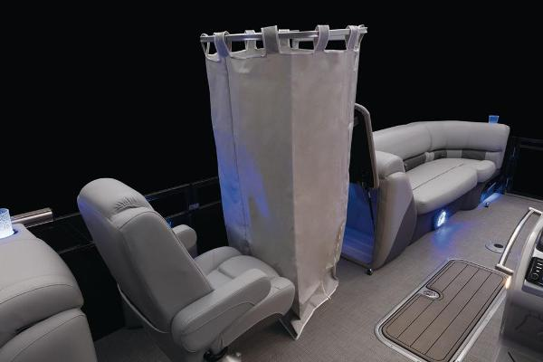 2021 Regency boat for sale, model of the boat is 230 LE3 & Image # 27 of 69