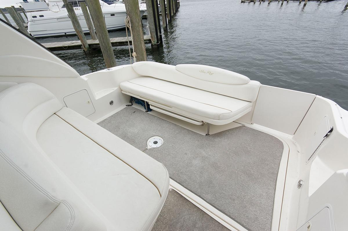M 5107 VR Knot 10 Yacht Sales