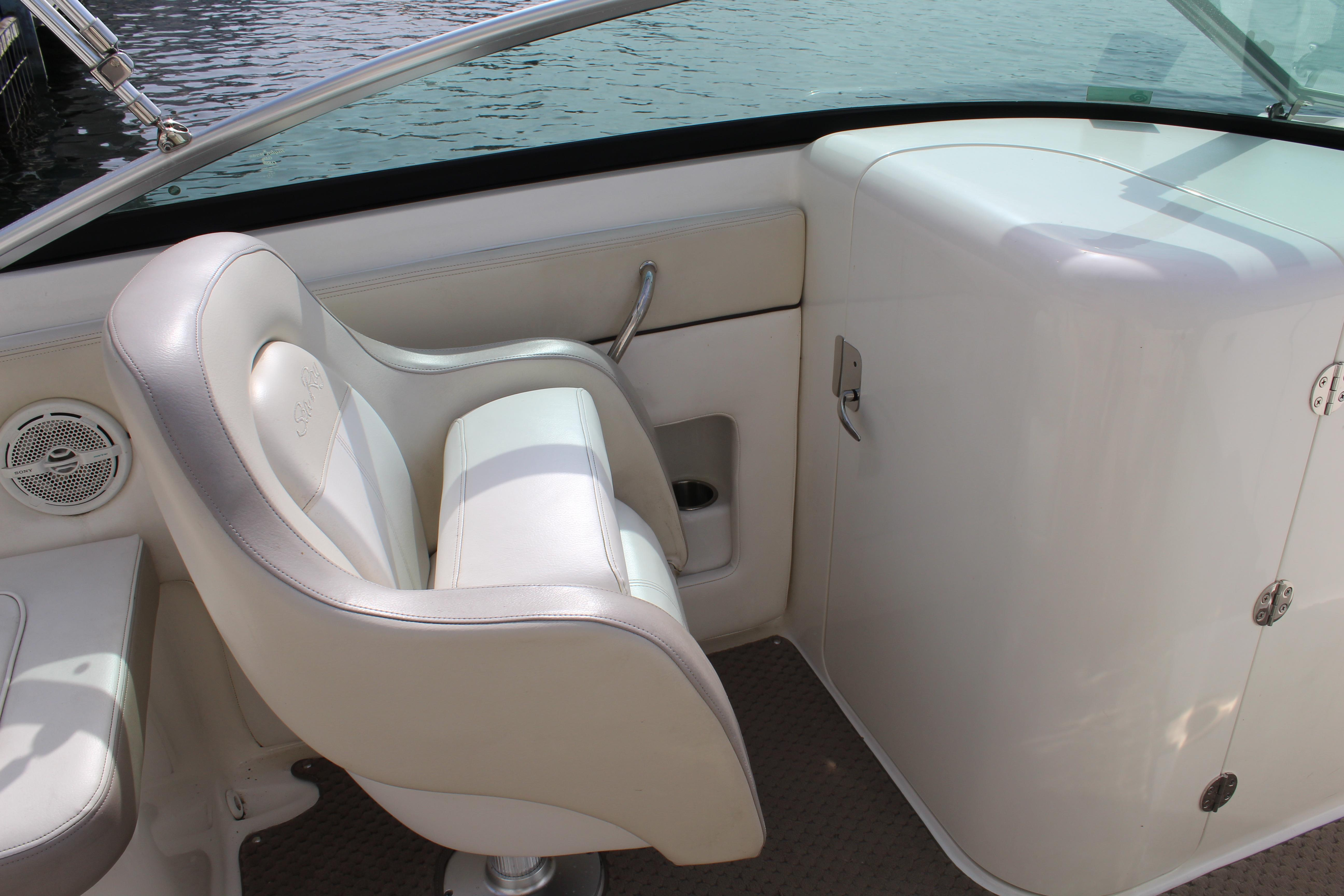 2013 Sea Ray 240 Sundeck