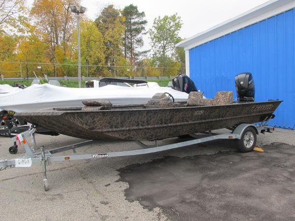 2019 Triton boat for sale, model of the boat is 1862 SC & Image # 1 of 22