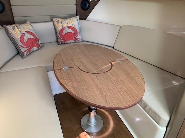 2016 Boston Whaler 315 Conquest