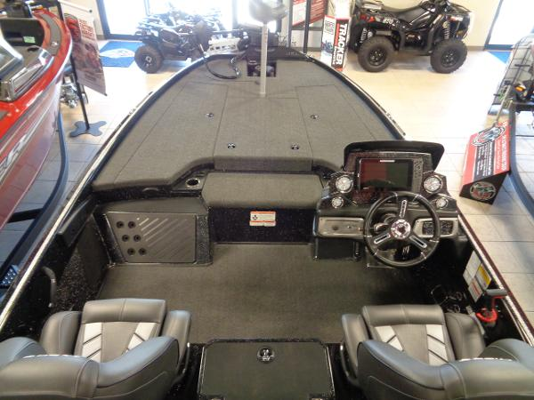 2020 Nitro boat for sale, model of the boat is Z20 Pro & Image # 3 of 26