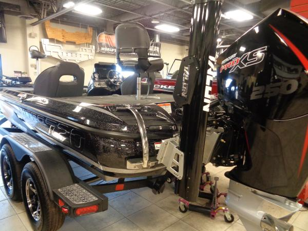 2020 Nitro boat for sale, model of the boat is Z20 Pro & Image # 2 of 26
