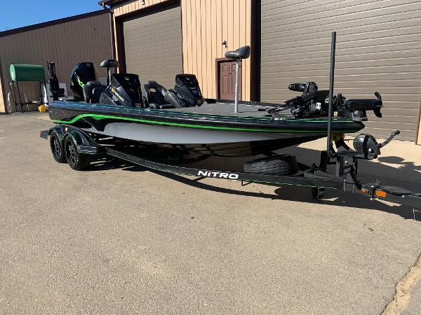 2020 Nitro boat for sale, model of the boat is Z21 Elite LX & Image # 3 of 19