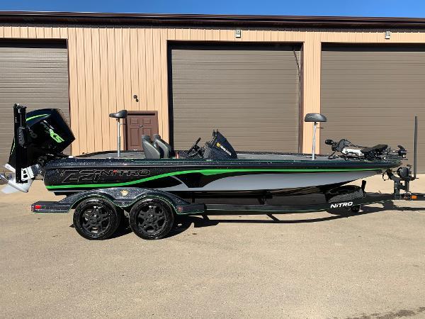 2020 Nitro boat for sale, model of the boat is Z21 Elite LX & Image # 13 of 19