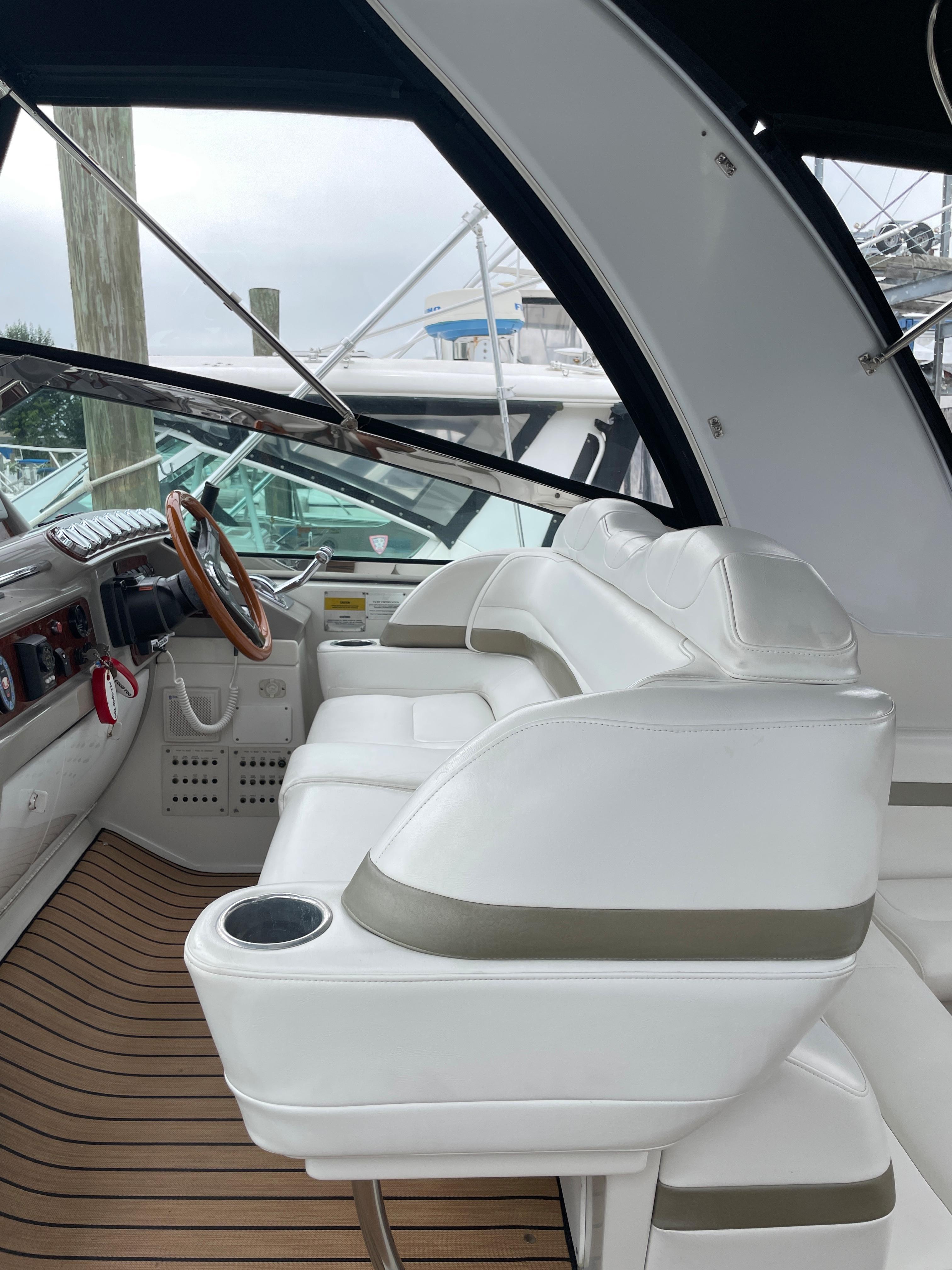 NY 6161 KM Knot 10 Yacht Sales