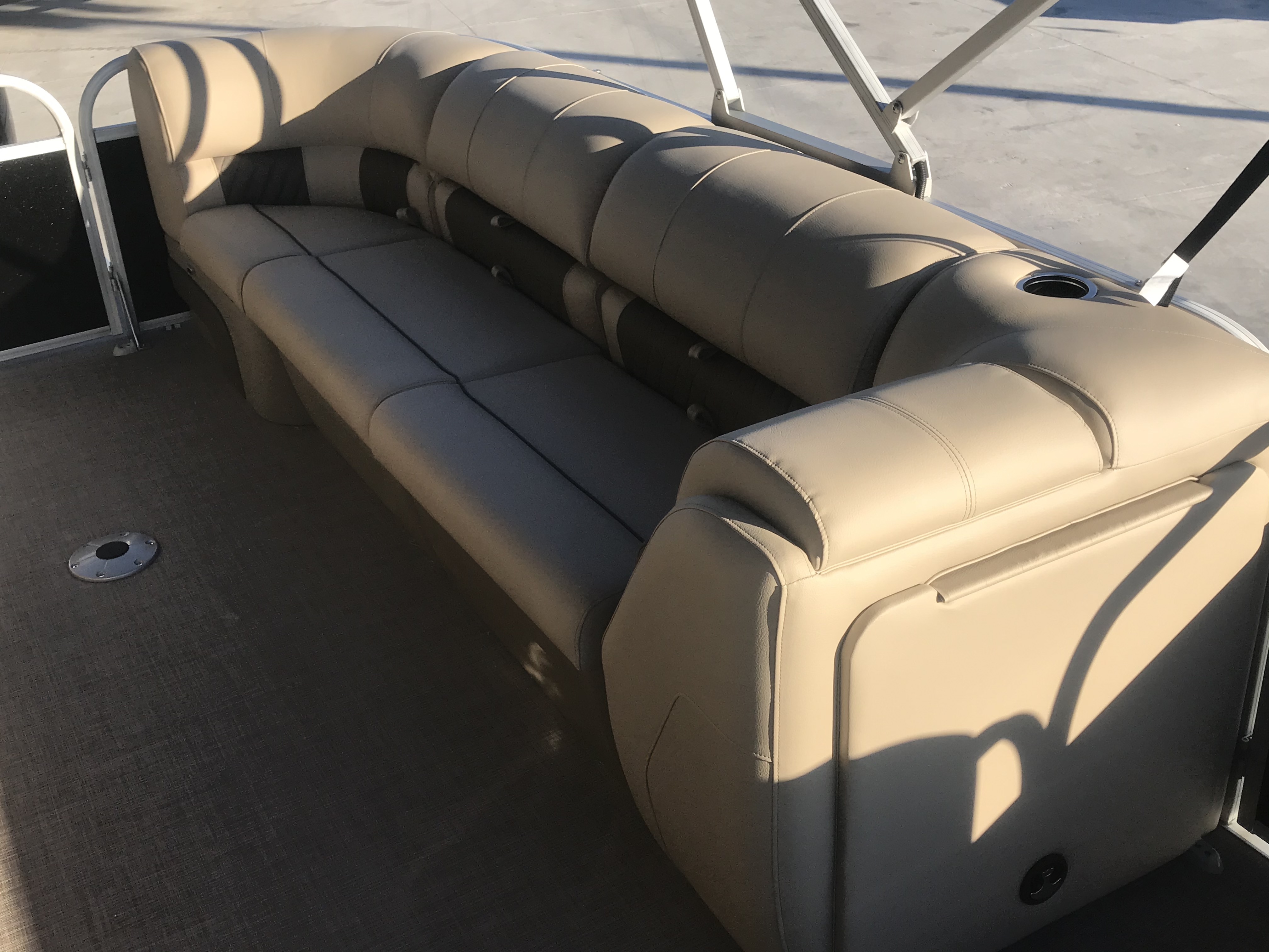 2022 Sun Tracker boat for sale, model of the boat is 22 Party Barge DLX & Image # 3 of 15