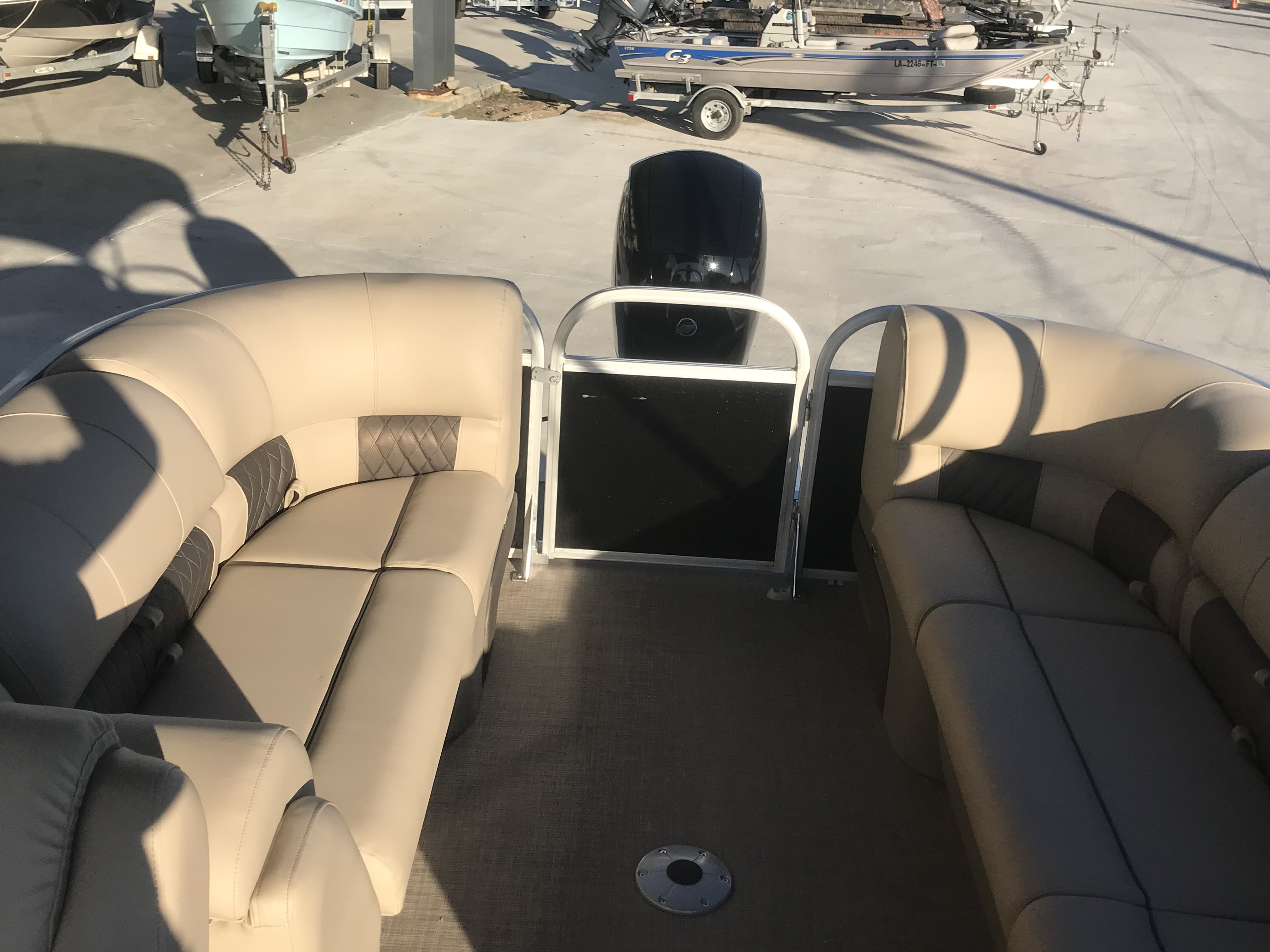 2022 Sun Tracker boat for sale, model of the boat is 22 Party Barge DLX & Image # 12 of 15