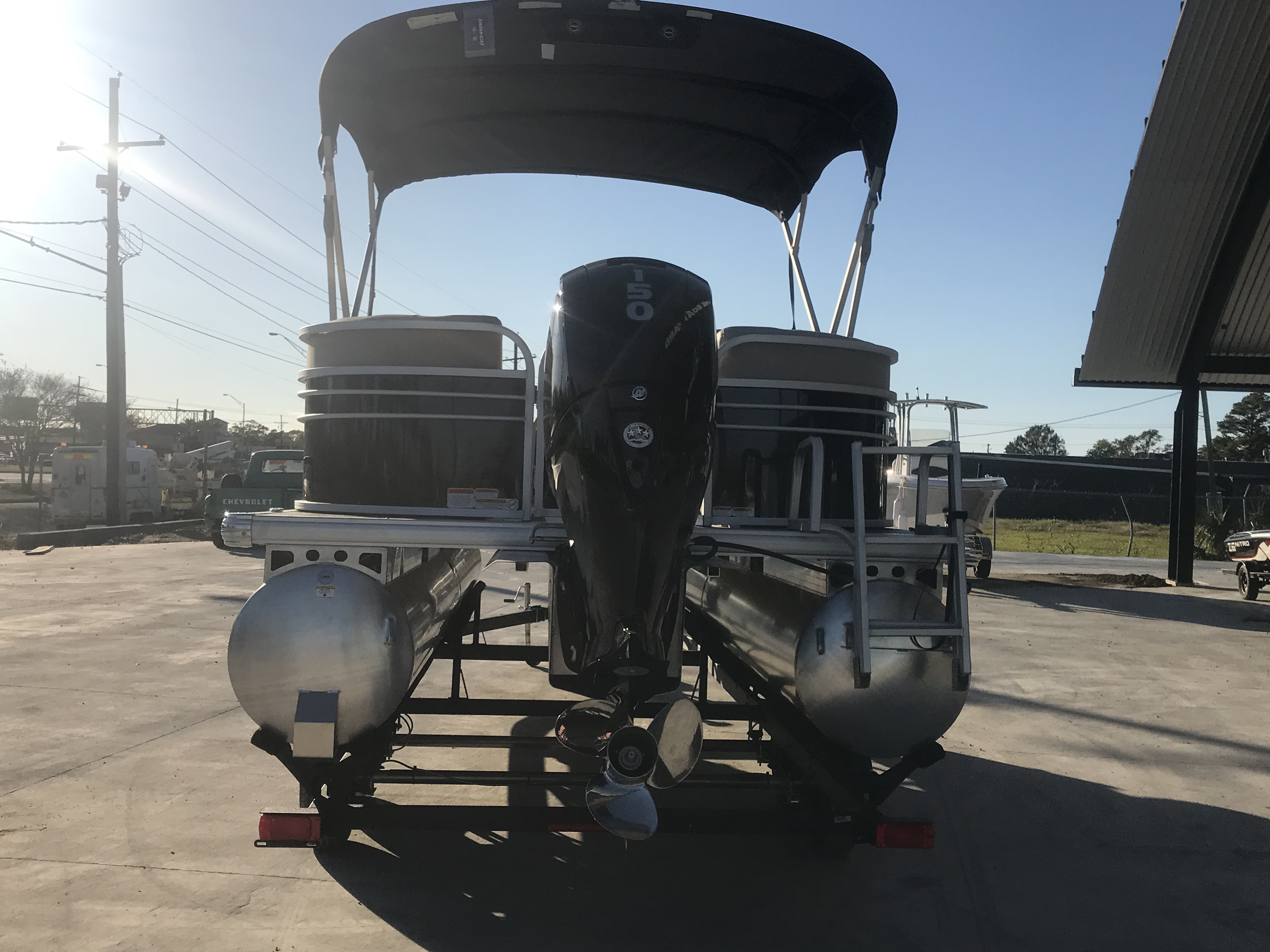 2022 Sun Tracker boat for sale, model of the boat is 22 Party Barge DLX & Image # 14 of 15