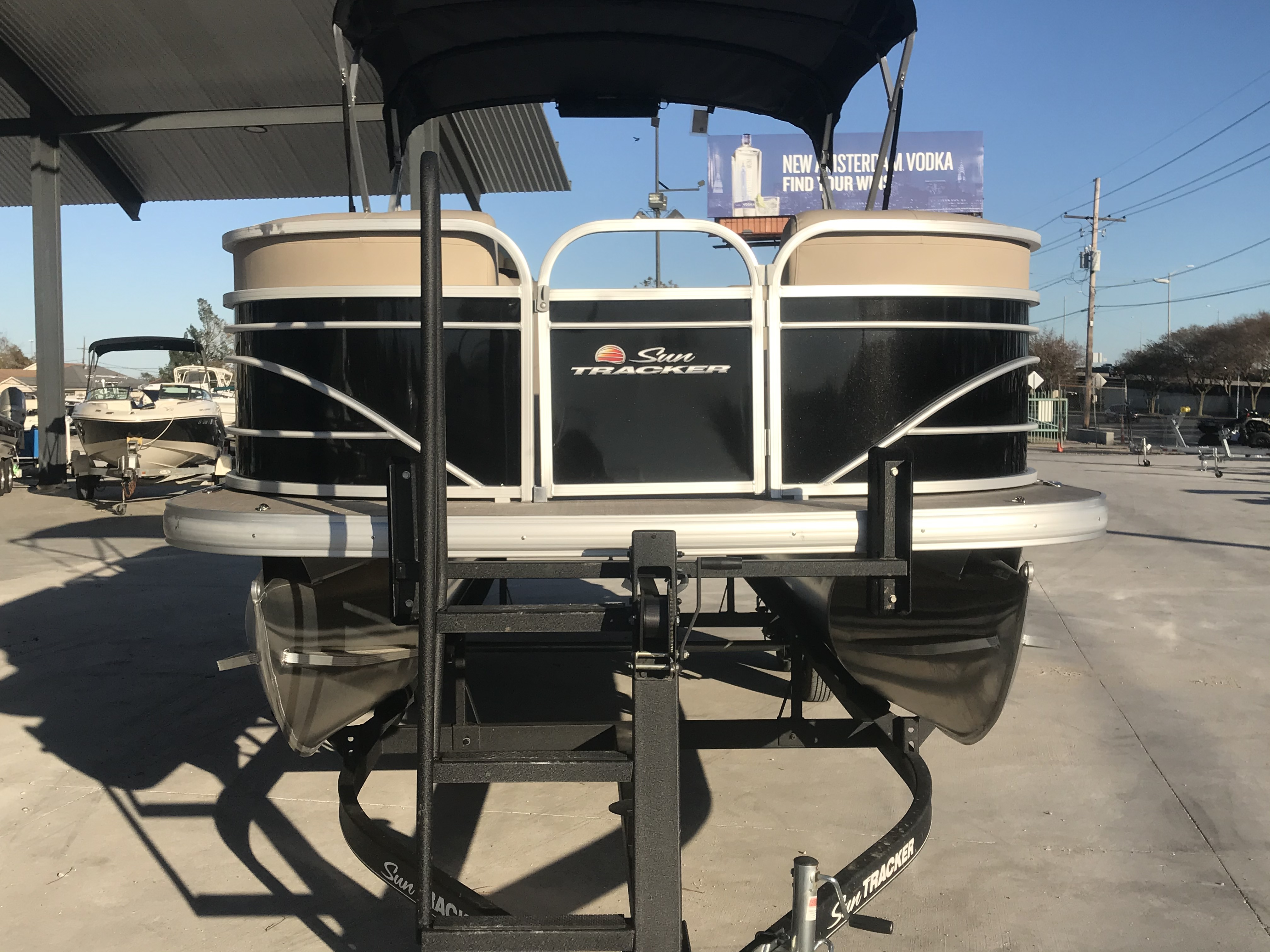 2022 Sun Tracker boat for sale, model of the boat is 22 Party Barge DLX & Image # 15 of 15