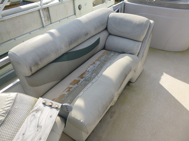 2006 Crest boat for sale, model of the boat is 2240 FF & Image # 12 of 16