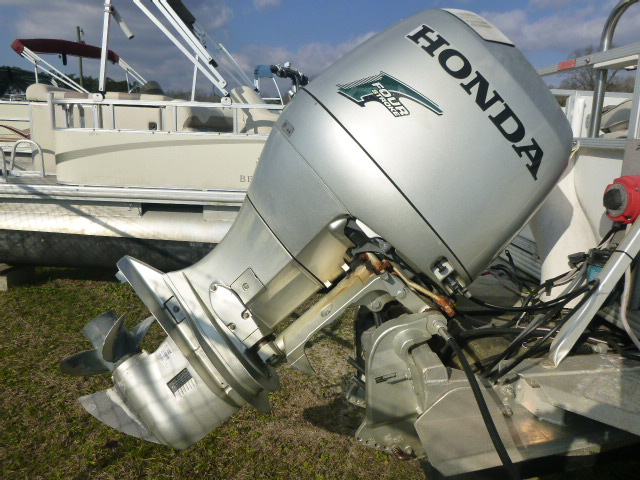 2006 Crest boat for sale, model of the boat is 2240 FF & Image # 15 of 16