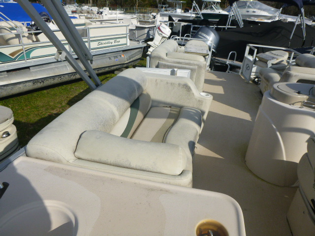 2006 Crest boat for sale, model of the boat is 2240 FF & Image # 16 of 16
