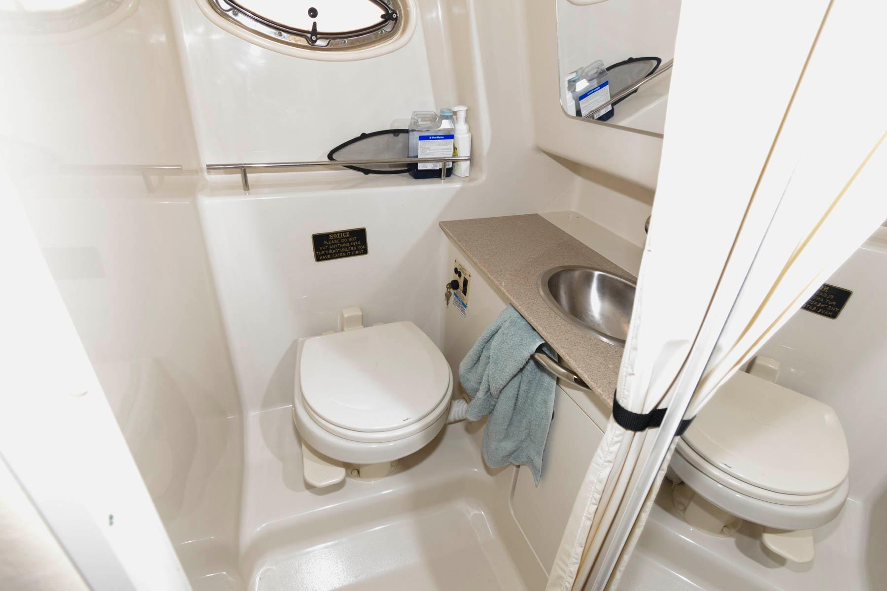 M 6480 WT Knot 10 Yacht Sales