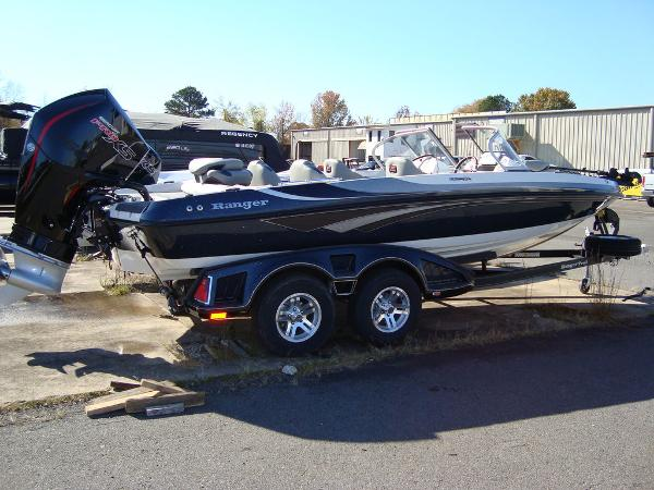 2021 Ranger Boats boat for sale, model of the boat is 212LS & Image # 2 of 29