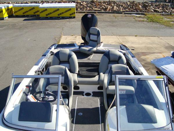 2021 Ranger Boats boat for sale, model of the boat is 212LS & Image # 6 of 29