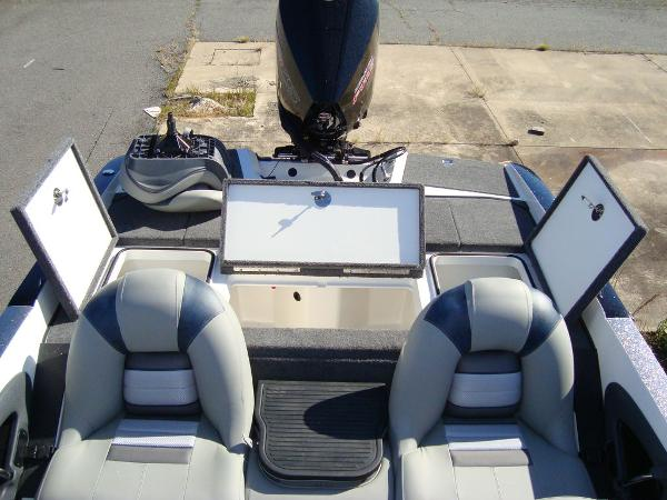 2021 Ranger Boats boat for sale, model of the boat is 212LS & Image # 7 of 29