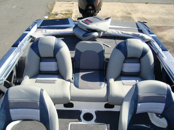 2021 Ranger Boats boat for sale, model of the boat is 212LS & Image # 8 of 29