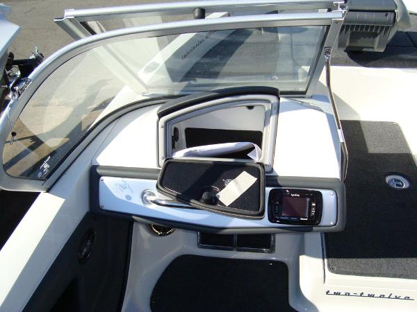 2021 Ranger Boats boat for sale, model of the boat is 212LS & Image # 11 of 29