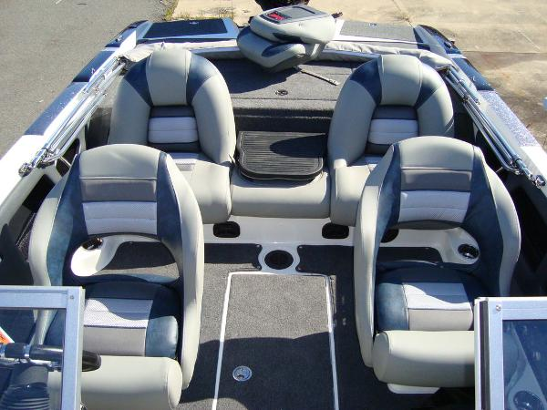 2021 Ranger Boats boat for sale, model of the boat is 212LS & Image # 13 of 29