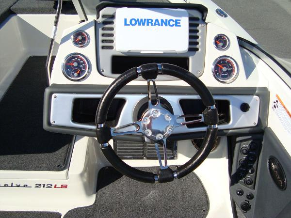 2021 Ranger Boats boat for sale, model of the boat is 212LS & Image # 14 of 29