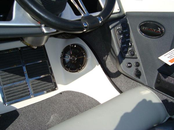 2021 Ranger Boats boat for sale, model of the boat is 212LS & Image # 17 of 29
