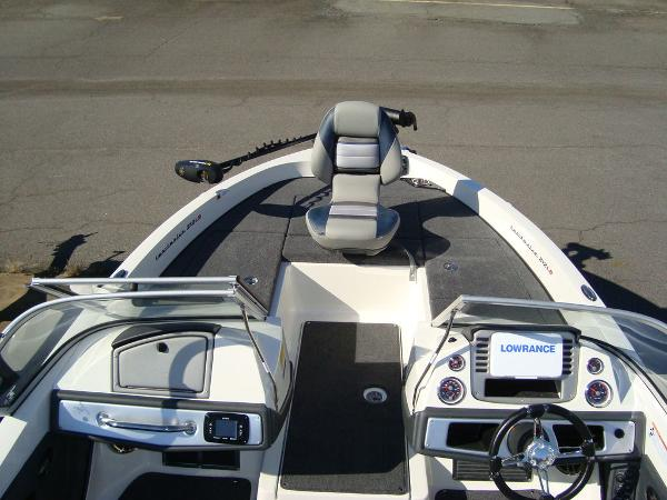 2021 Ranger Boats boat for sale, model of the boat is 212LS & Image # 19 of 29