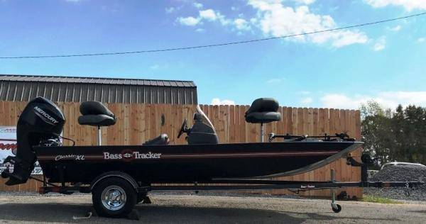 2022 Tracker Boats boat for sale, model of the boat is BASS TRACKER® Classic XL & Image # 1 of 20