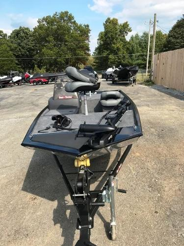 2022 Tracker Boats boat for sale, model of the boat is BASS TRACKER® Classic XL & Image # 5 of 20