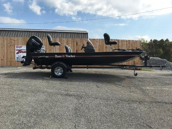 2022 Tracker Boats boat for sale, model of the boat is BASS TRACKER® Classic XL & Image # 6 of 20