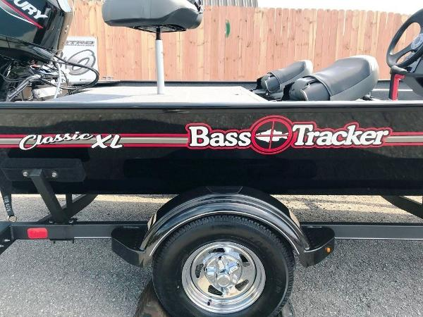 2022 Tracker Boats boat for sale, model of the boat is BASS TRACKER® Classic XL & Image # 8 of 20