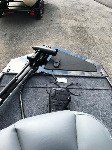 2022 Tracker Boats boat for sale, model of the boat is BASS TRACKER® Classic XL & Image # 11 of 20