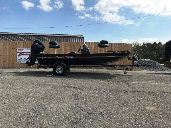 2022 Tracker Boats boat for sale, model of the boat is BASS TRACKER® Classic XL & Image # 14 of 20