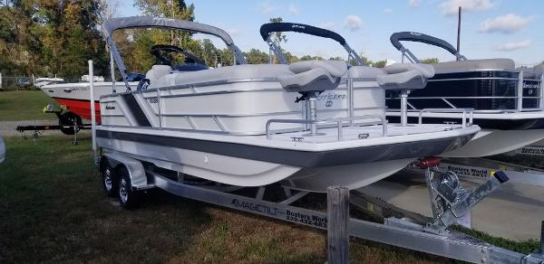 2021 HURRICANE FUNDECK 226F OB for sale