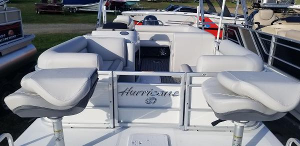2021 Hurricane boat for sale, model of the boat is FunDeck 226F OB & Image # 2 of 3