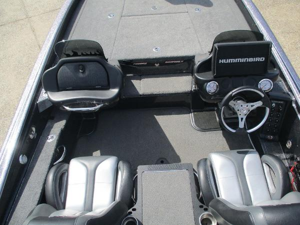 2018 Phoenix boat for sale, model of the boat is 721 ProXP & Image # 7 of 12