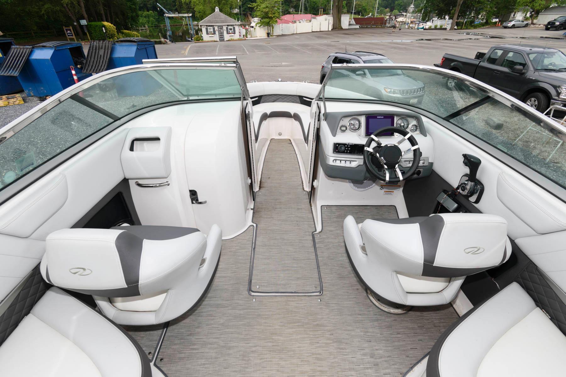 M 6175 KB Knot 10 Yacht Sales