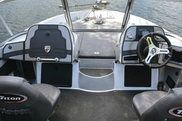 2018 Triton boat for sale, model of the boat is 206 Allure & Image # 4 of 9