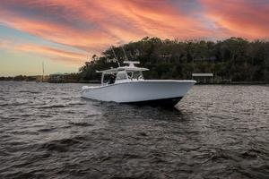 2020 42 Yellowfin Offshore - Profile (2)