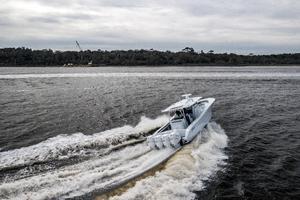2020 42 Yellowfin Offshore - Profile (11)