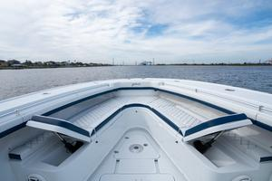 2020 42 Yellowfin Offshore - Bow Seating