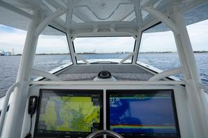 2020 42 Yellowfin Offshore - Electronics