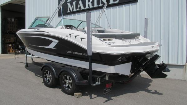 2019 Chaparral boat for sale, model of the boat is 21 H2O Sport & Image # 3 of 13